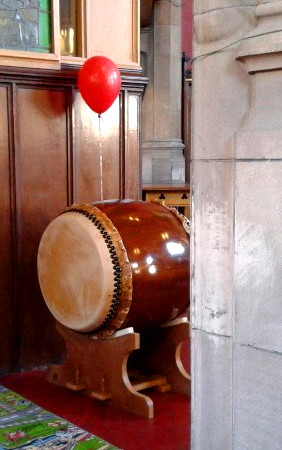 Velma - flute with taiko at Shawlands Kirk
